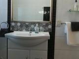 Rose Room bathroom detail